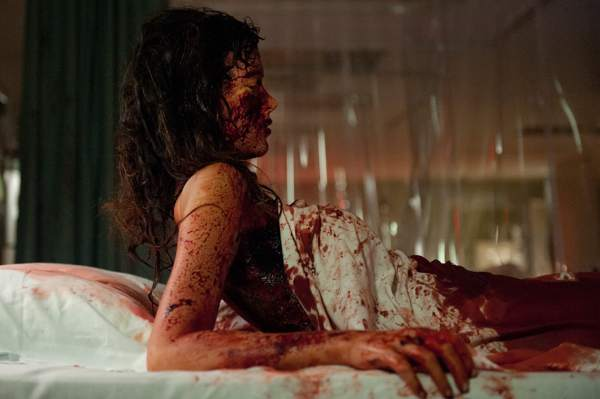 Nurse 3d movie image bloody woman on bed